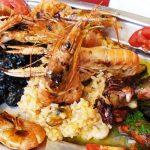 еда, в Хорватии, морепродукты, рыбная тарелка, креветки, мидии, черное ризотто