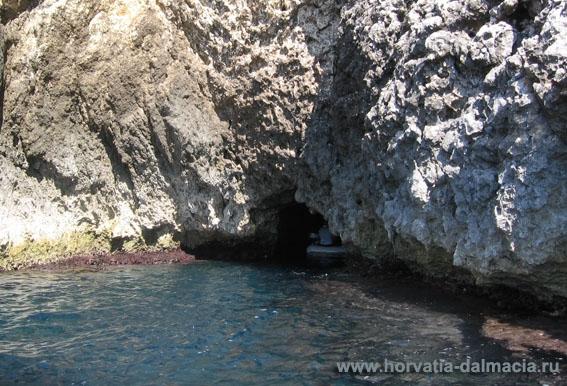 голубая пещера, о.Бишево, остров, Вис, Хорватия