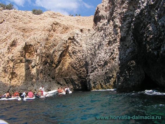 голубая пещера, Бишево, Вис, Хорватия