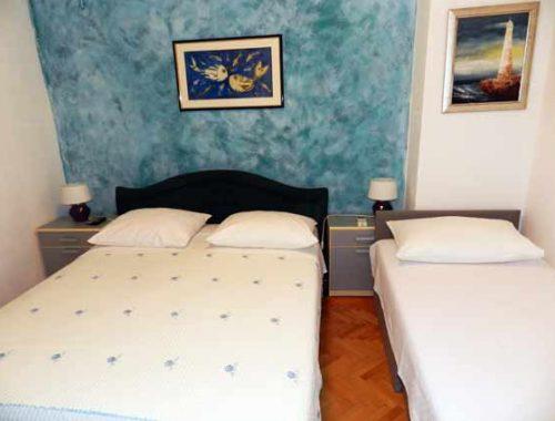 Апартаменты, в Хорватии, Иванка, для двоих, на море, Омиш, старый город