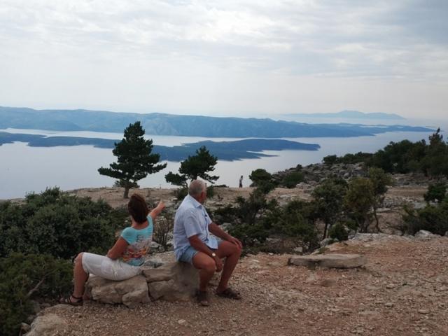 Видова Гора, остров Брач, вид на остров Хвар, Хорватия